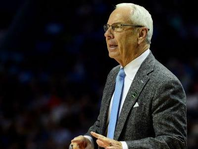 UNC's Roy Williams collapses on sideline after vertigo attack, questionable to return