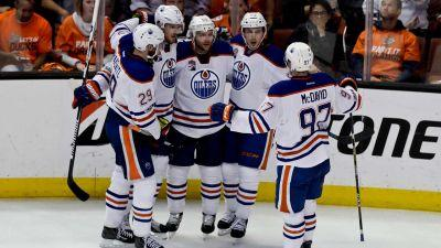Oilers steal home ice from Ducks to open second-round series