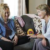 """Emma Thompson's Spot-on SNL Skit Will Remind You No One's the """"Perfect Mother"""""""