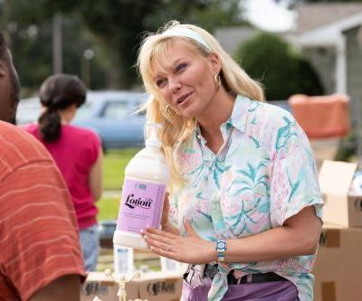 Kirsten Dunst takes down a 'Florida' pyramid scheme in new comedy