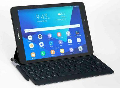 Samsung Galaxy Tab S3 official, includes four speakers and an S Pen