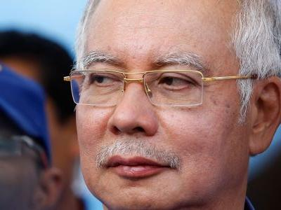 $273 million-worth of valuables were seized from Malaysia's former prime minister including 567 handbags, 234 pairs of sunglasses, and 12,000 pieces of jewelry