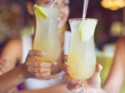 Ask a Bartender: What Cocktail Should I Order on a First Date?
