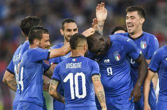 Balotelli praised for reacting to racist Italy fans' banner