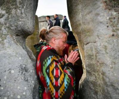 Thousands Gather for Summer Solstice at Stonehenge to Celebrate the Longest Day of the Year