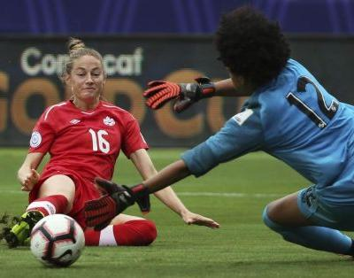 Canadians Janine Beckie, Adriana Leon advance to SSE Women's FA Cup final