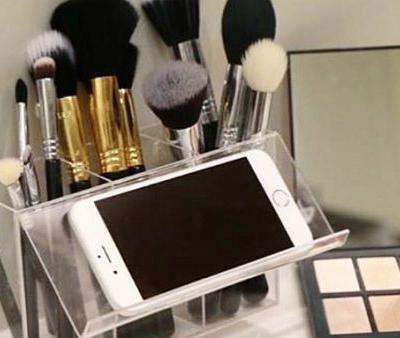 The Genius Brush Organizer That Helps You Take Your Makeup to the Next Level