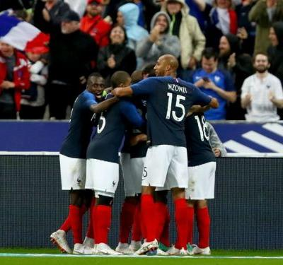 France 2 Republic of Ireland 0: Dominant win for Deschamps' men