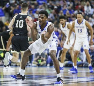 Kentucky holds off Wofford to reach Sweet 16 in NCAA tournament