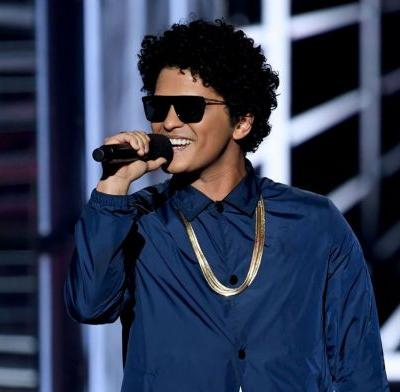 Bruno Mars to provide Thanksgiving meals for 24,000 needy Hawaii residents