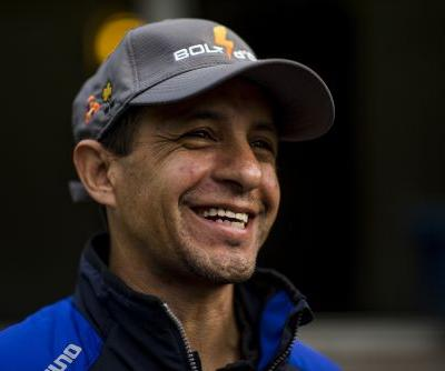 Jockey Victor Espinoza hurt when horse collapses, dies