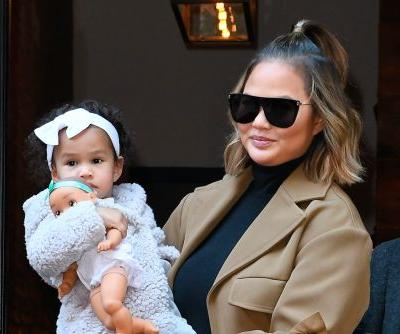 Chrissy Teigen Shows Off Her Killer Post-Baby Bod In Cute New Pic With Daughter Luna