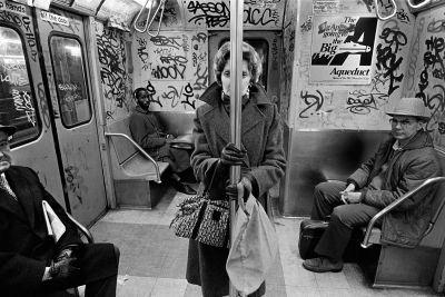 15 striking pictures of New York in a grittier era