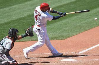 Yadier Molina's walk-off RBI single in 9th lifts Cardinals over Marlins 1-0