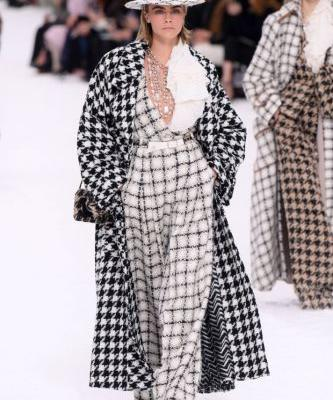 17 Must-See Looks from Karl Lagerfeld's Last Chanel Runway Show