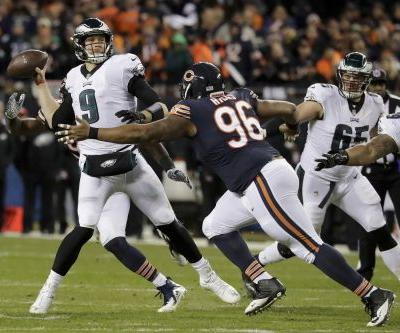 Foles leads Eagles to 16-15 upset of Bears