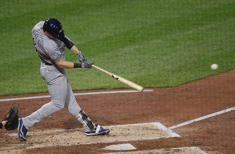 Brewers use home run barrage to gain ground in NL Central