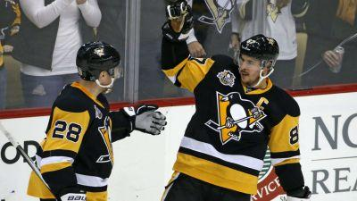 Sidney Crosby joins elite company after earning 1,000th NHL point