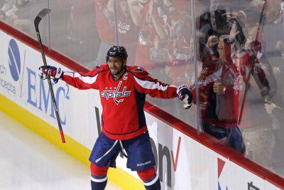 Alex Ovechkin records 1,000th career NHL point