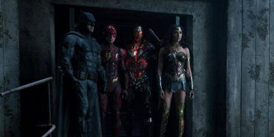Zack Snyder Calls Justice League Heroes 'Fun To Explore'