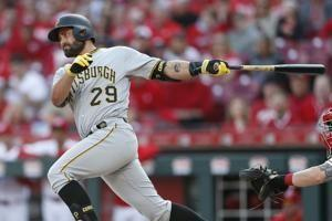 Cervelli granted release by Pirates, aims to join contender