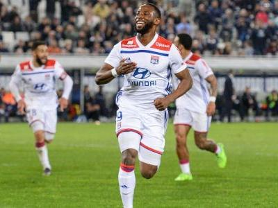LIVE Transfer Talk: Manchester United contact Lyon over Moussa Dembele