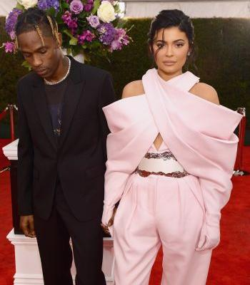 Kylie Jenner & Travis Scott's Body Language At The 2019 Grammys Is Unusual