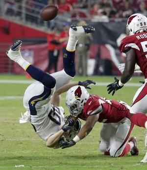 Kirk has big early play, Cardinals beat Chargers 24-17