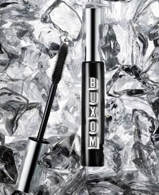 I'm a Mascara Snob, and This One Passes All My Tests With Flying Colors