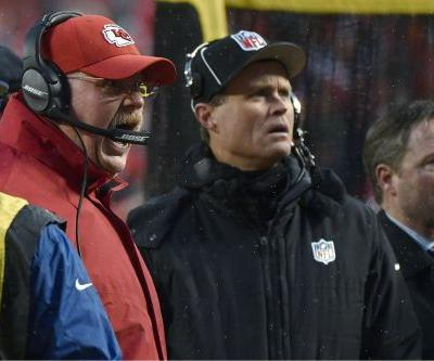Andy Reid scolded Chiefs fans during playoff game for throwing snowballs at Colts punter