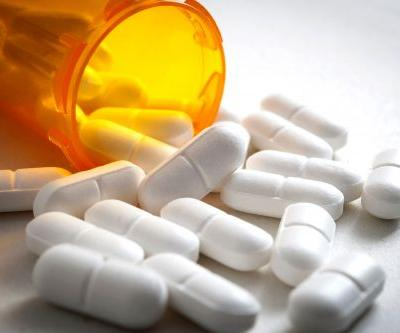 Clinic accused of 'liberally' prescribing unneeded opioids