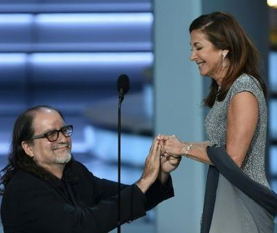 Oscars Director Glenn Weiss Pulls Off The Most Romantic Proposal To His Girlfriend At The Emmys