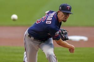 AP source: Tyler Clippard agrees to 1-year deal with D-backs