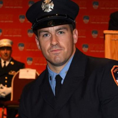 NYC firefighter plunges to death from overpass while responding to car accident