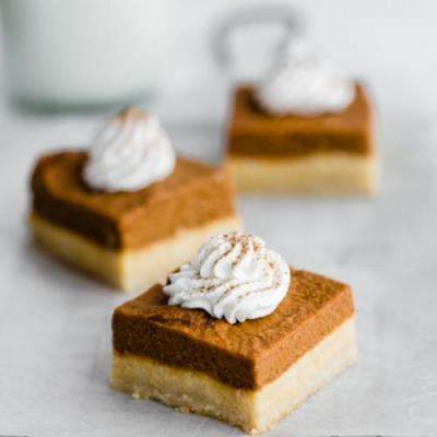 Pumpkin Pie Bars with Cookie Crust
