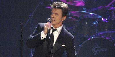 BRIT Awards 2017: Watch David Bowie's Award Accepted by Michael C. Hall
