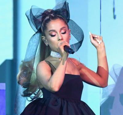 Ariana Grande wore another giant hair bow to the Billboard Music Awards - and it was one of the best looks of the night