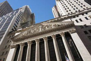 US stock market indexes sink as technology companies fall