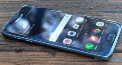Galaxy S7 Oreo update pulled, hints at a worrying trend
