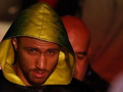 Vasiliy Lomachenko's patience in title-unifying fight further puts boxing on notice
