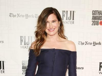 Great Outfits in Fashion History: Kathryn Hahn in Gabriela Hearst