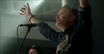 'Holy Roar' - Chris Tomlin Live Performance