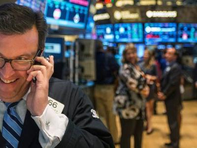 An overlooked trade that's crushed the S&P 500 for 20 years has fallen on hard times - but one expert says it's poised for a big comeback