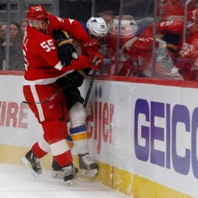 Tyler Bertuzzi scores late goal, Red Wings beat Blues 4-3