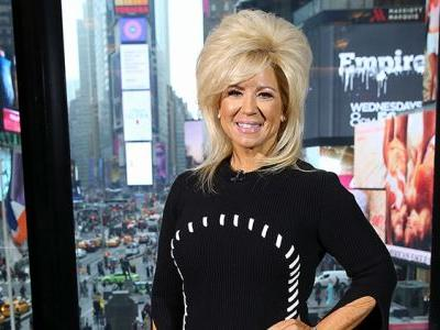 'Long Island Medium' Star Theresa Caputo Undergoes Surgery Amid Divorce From Husband Larry