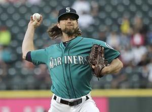 Mariners' Leake loses perfect game in 9th vs Angels