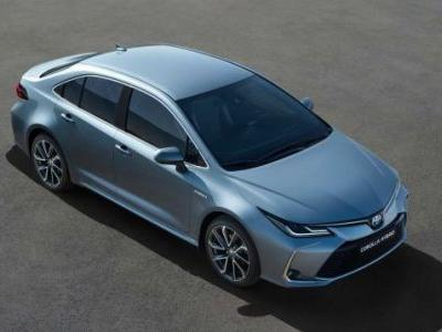 The 2020 Toyota Corolla Hybrid Gets Prius Fuel Economy Without Prius Looks