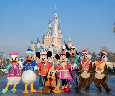 A festive touch for Shanghai Disney