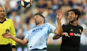 Carlos Vela leads Los Angeles FC to 5-1 win over Sporting KC