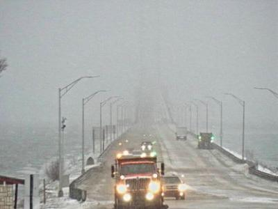 Wind Is Forcing Michigan Authorities to Escort 'High Profile' Cars Across the Mackinac Bridge